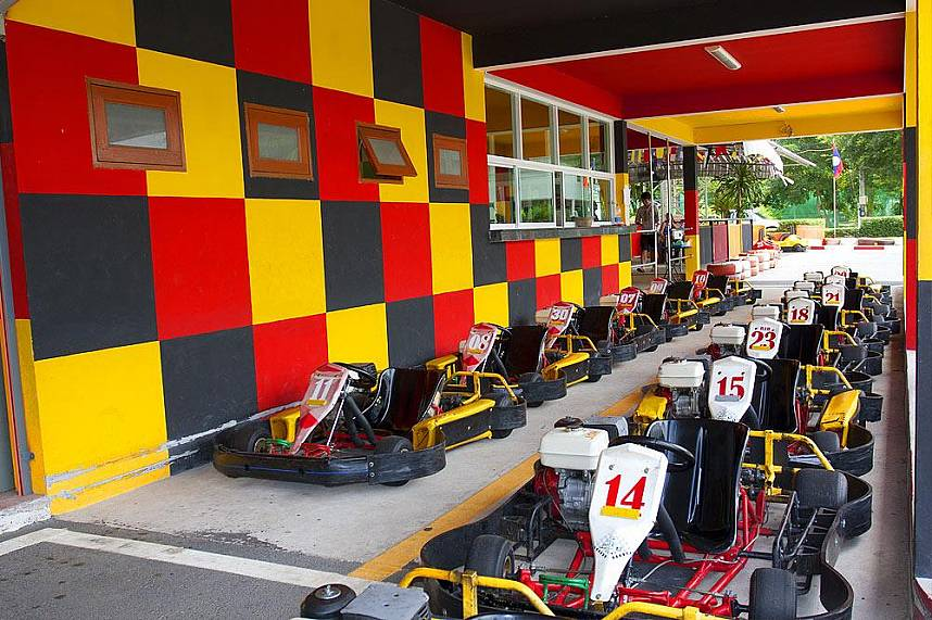 Enjoy at Phuket Racing Kart at Chalong a fantastic holiday time