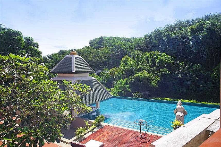 Sukko Spa in Phuket with big pool