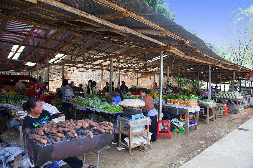 Local hill tribe market at Chiang Mai Doi Inthanon