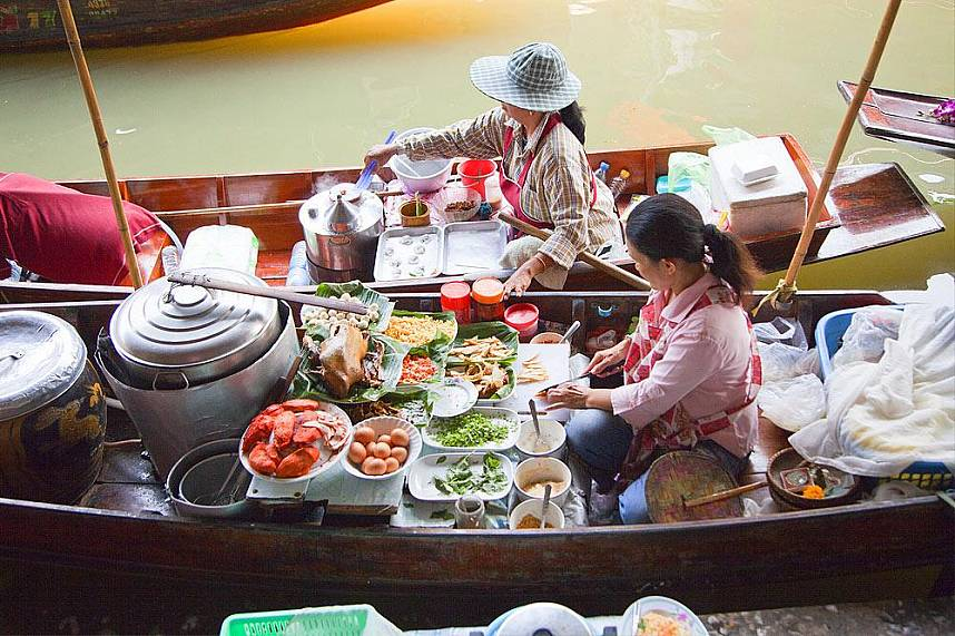 Bangkok Floating Market is a great place to visit during your Thailand holiday