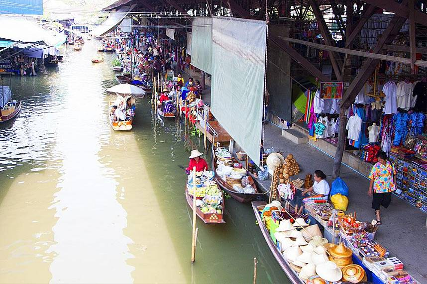 Bangkok Floating Market gives you fantastic photo opportunities