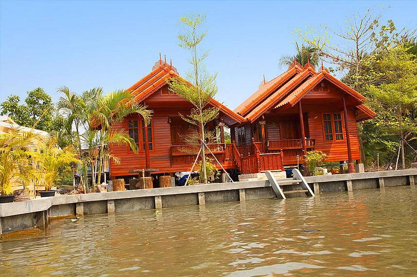 Lovely houses along the river near Bangkok Floating Market