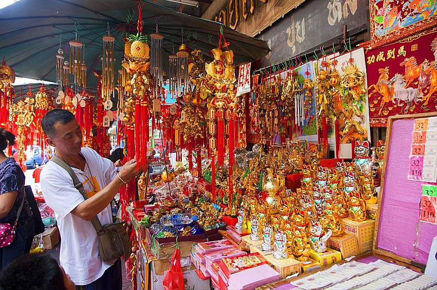 Amazing display awaits tourists at Bangkok China Town and Yaowarat Road