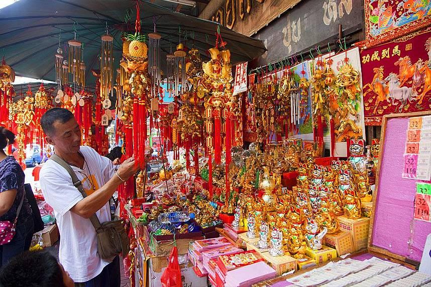 Amazing display awaits tourists at Bangkok China Town and Yaowarat Road