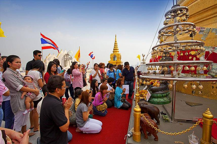 Worshipers at Golden Mountain Temple Bangkok