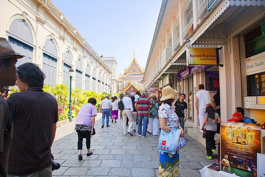 Wat Phra Kaew Temple of the Emerald Buddha Bangkok is a MUST for every Thailand tourist