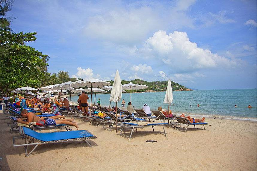 Choeng Mon Beach Koh Samui is a beautiful baech for a quiet Thailand holiday