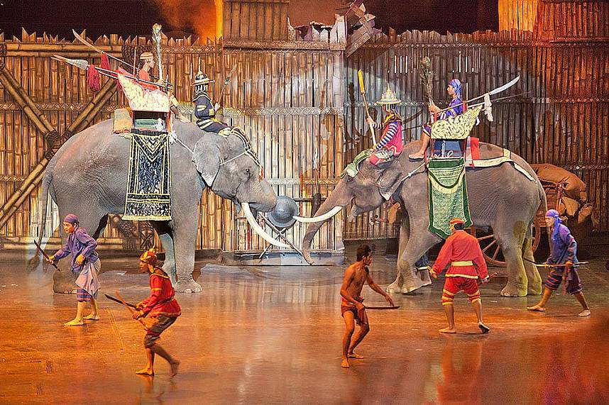 Learn during your Pattaya holiday the ancient Thai Live at Alangkarn Theater
