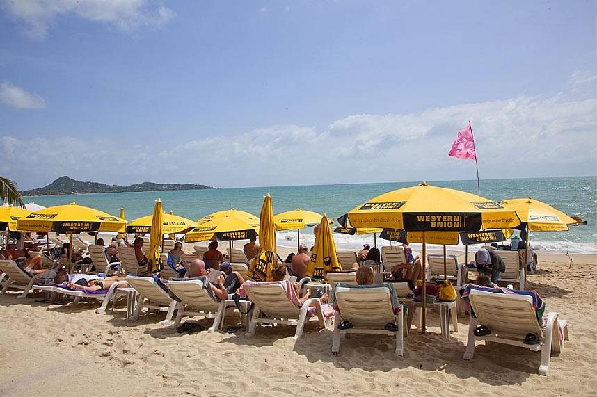 Relax during your Thailand beach holiday at Lamai Beach Samui