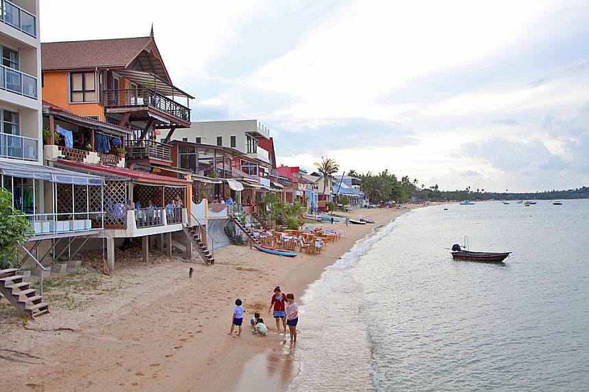 Your kids will love some time at the small beach of Fisherman's Village in Samui