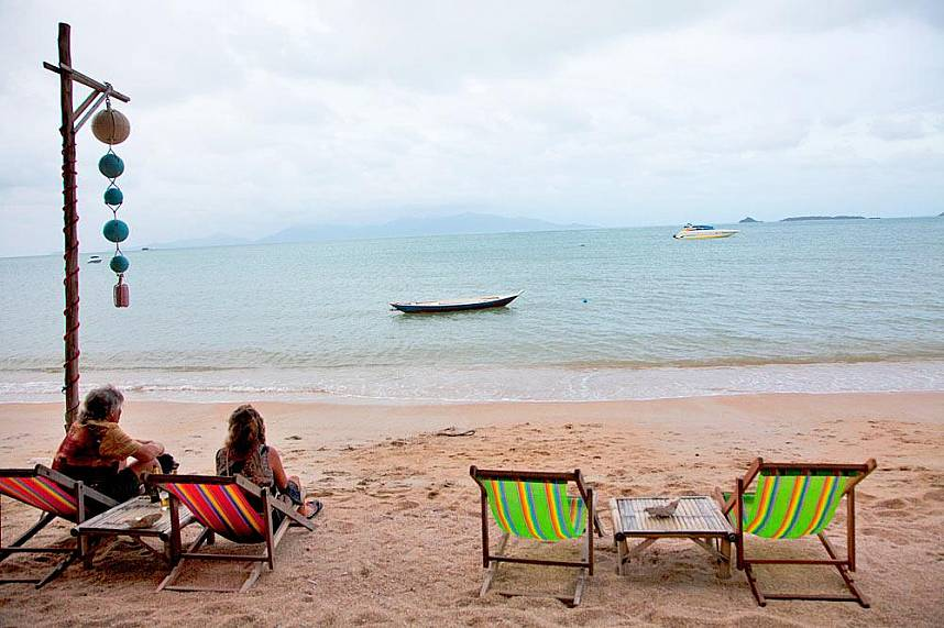 Have a break at the beach of Fisherman's Village in Samui