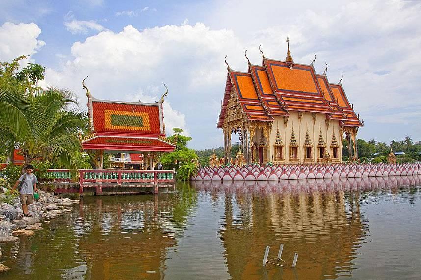 Suwannaram Temple (Wat Plai Laem) Koh Samui - serene place for a visit