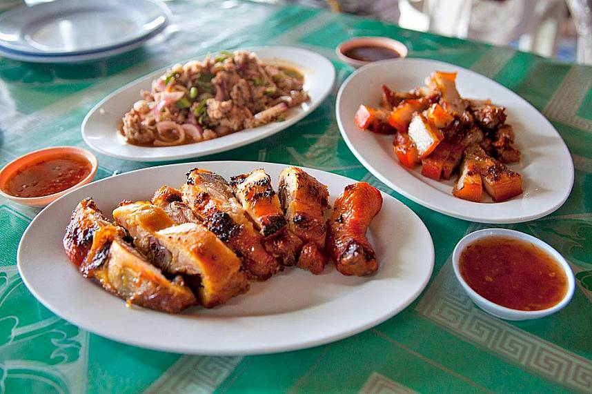 During a visit at Golden Triangle Chiang Rai you should try the local food
