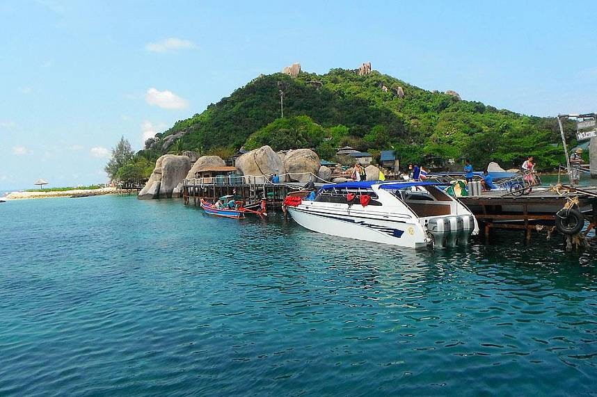 A speed boat trip from Koh Samui to Koh Tao should not be missed