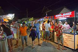 Maenam Night Market in Koh Samui