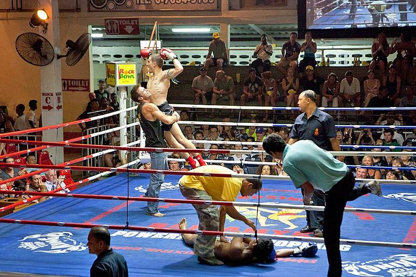 Phuket Patong Boxing Stadium invites foreigners to show their skill in Thai Boxing