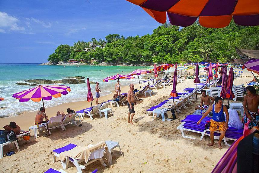 Enjoy a fantastic day during your Phuket holiday at Laem Singh Beach