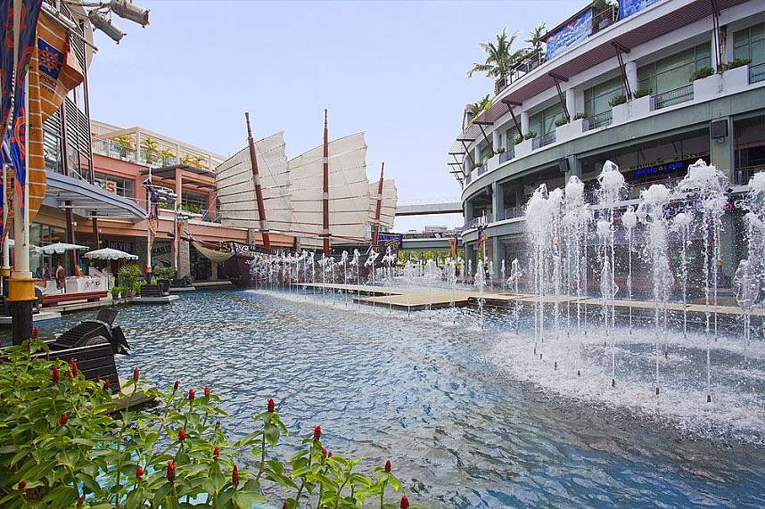 Patong in Phuket has not only many entertainment places but some idyllic spots