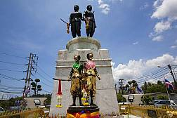 Phuket Heroine's Monument
