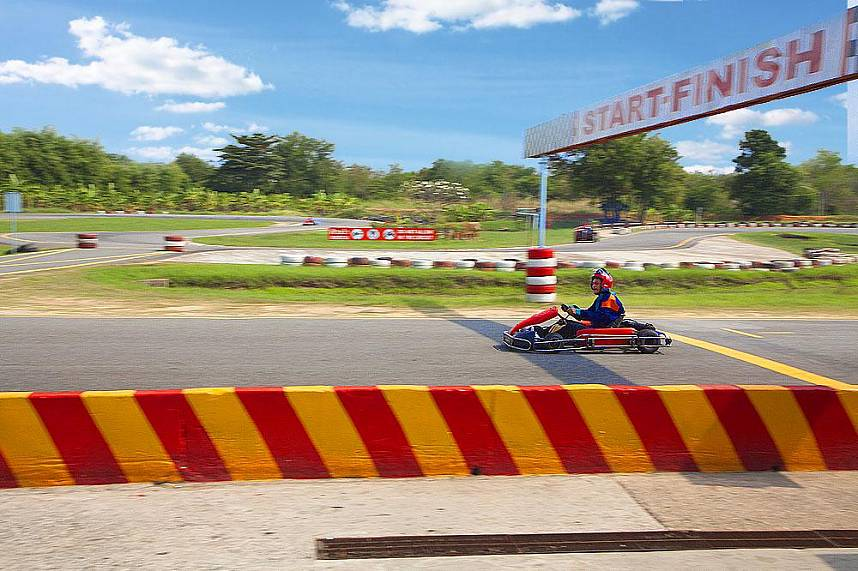 Feel the adrenaline at Speedway Karts Go-Karting in Pattaya