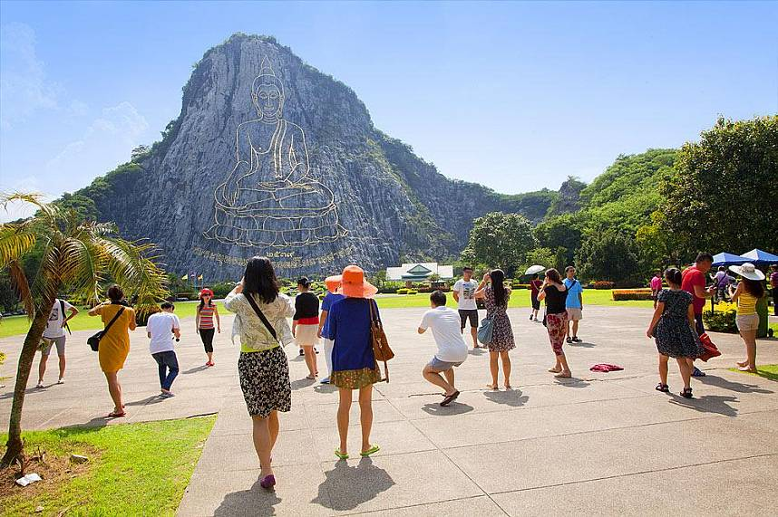 Amazing Buddha Mountain Khao Chi Chan Pattaya
