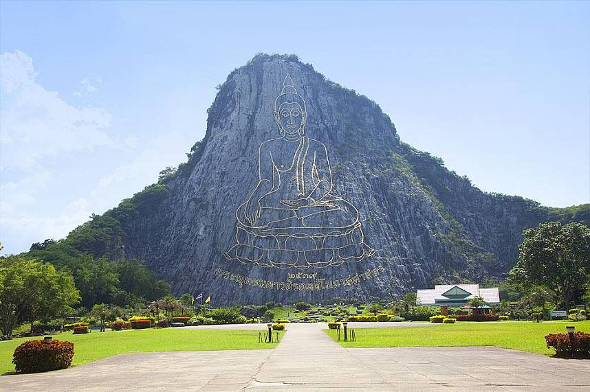 This Buddha image at Khao Chi Chan is one of the most photographed subjets in Thailand