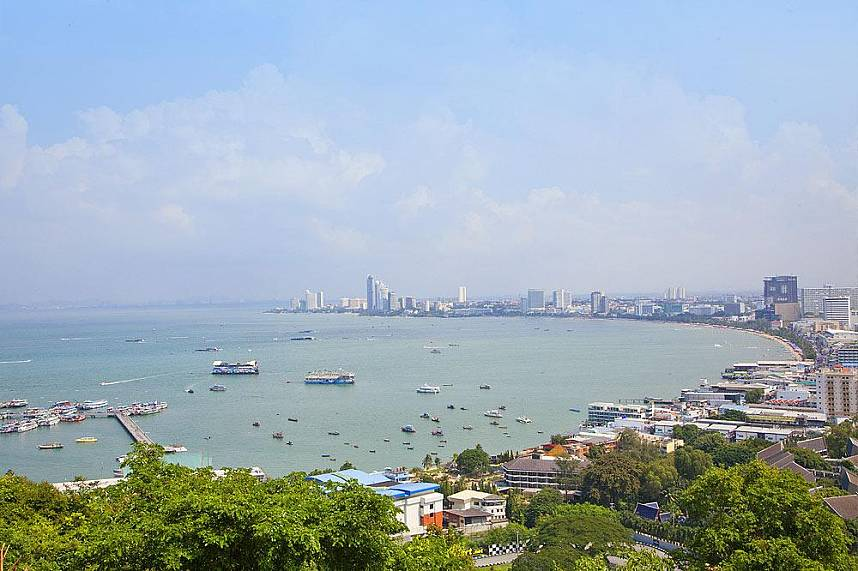 Enjoy the fantastic view over Pattaya City from the Hill Viewpoint at Khao Phra Bat
