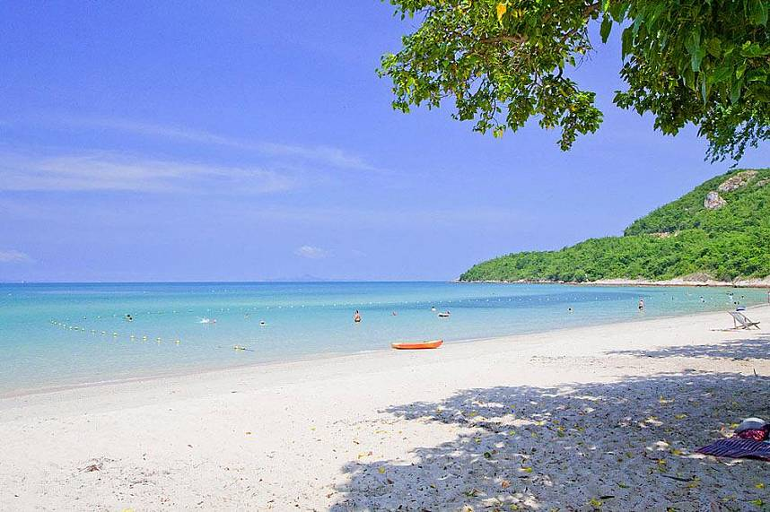 Sai Kaew Beach near Pattaya offers powdery white sand and clear water