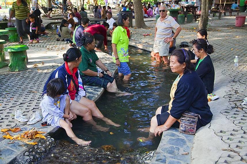 Have a snack while enjoy a hot bath at Sankhampang Hot Springs Near Chiang Mai