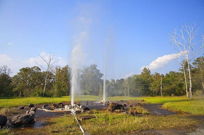 Sankhampang Hot Springs Near Chiang Mai is a great place for nature lovers