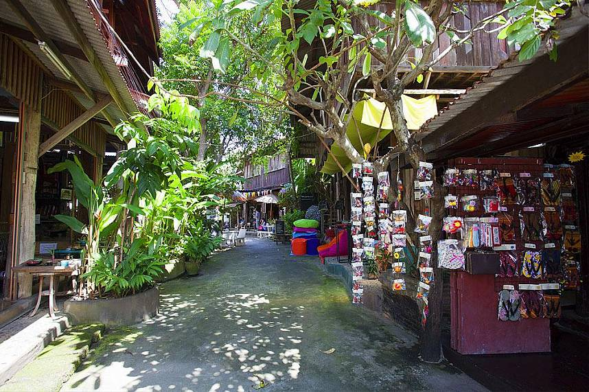 Baan Tawai Village in Chiang Mai has a huge variety of beautiful handicrafts