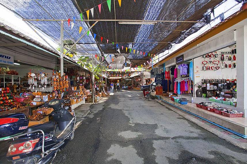 A tour through Baan Tawai Village should be included in every Chiang Mai holiday