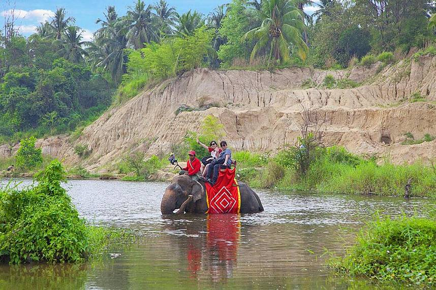 River crossing without getting wet - Changthai Thappraya Safari and Adventure Park
