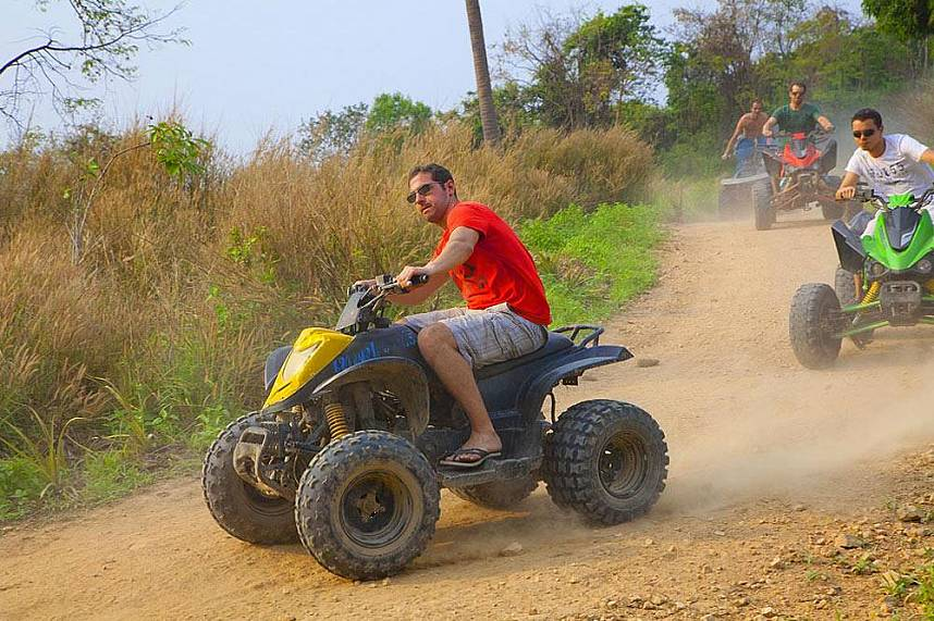Adventure dirt racing Changthai Thappraya Safari and Adventure Park