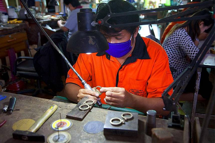 Watch the craftsmen at P Collection Silverware Manufactures in Chiang Mai