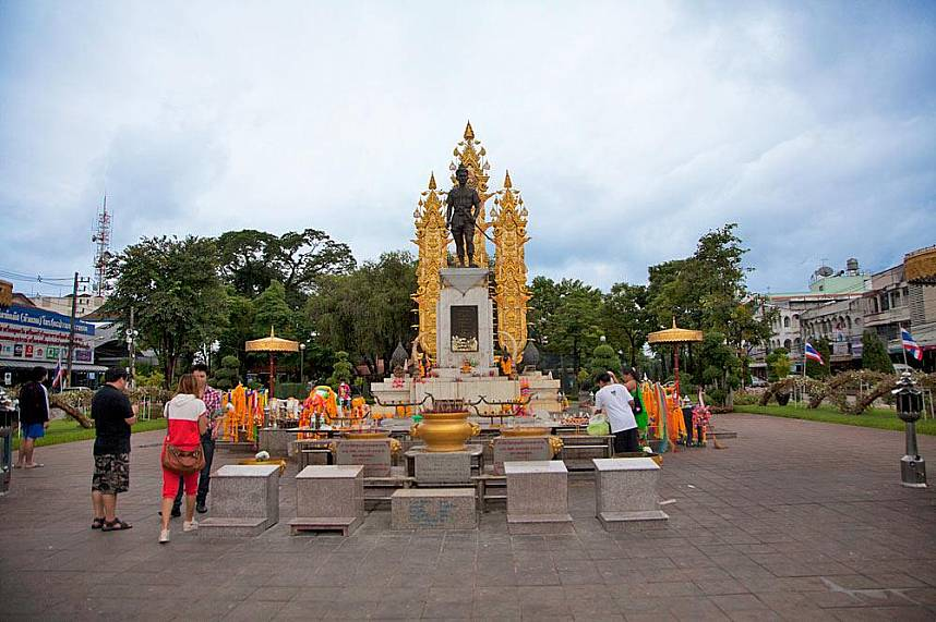 During a one day exploration trip in Chiang Rai visit soe of the holy shrines