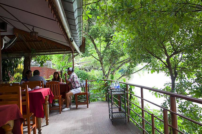 Relax and try some North Thailand specialties in one of the many small restaurants in Chiang Rai area
