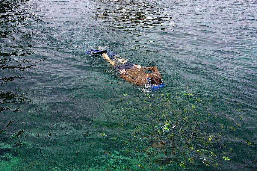 A snorkeling trip from Koh Lanta to Koh Rock will be a great adventure for the whole family