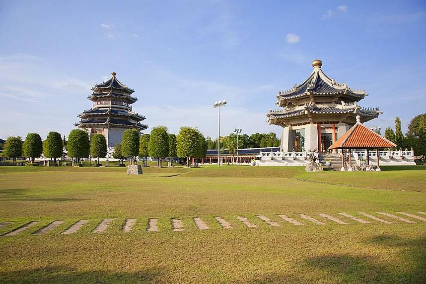 Feel in China during a visit at Three Kingdoms Park Pattaya