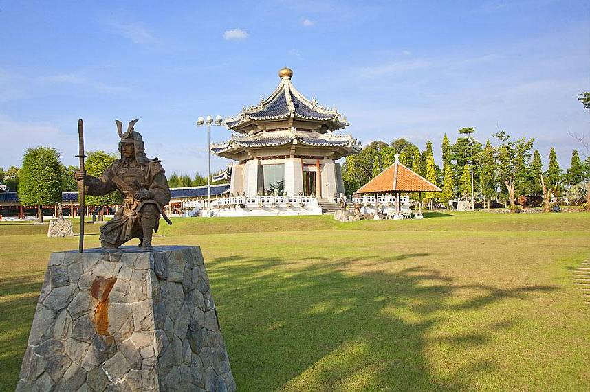 Three Kingdoms Park Pattaya shows you during your Thailand holiday some cultural aspects of ancient China