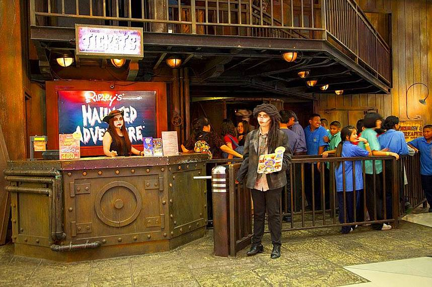 Just next to Ripleys Believe It or Not is the Haunted Adventure waiting