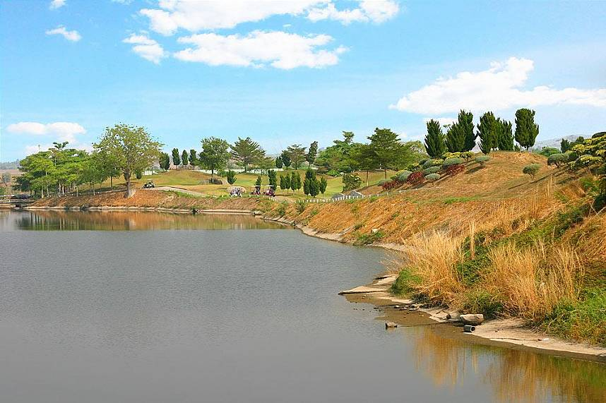 Picturesque scenery at St. Andrews 2000 Golf Club Pattaya