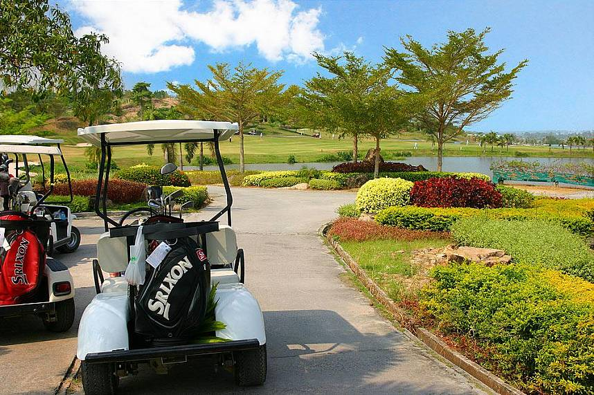 comfortable ride with the cart at St. Andrews 2000 Golf Club Pattaya