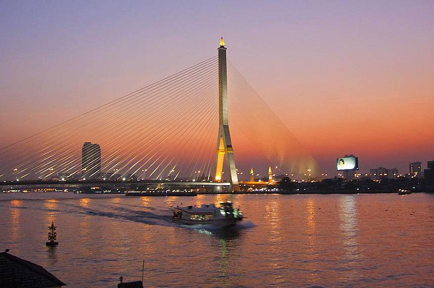 enjoy the romantic sunset over Bangkoks skyline at Inn Love Restaurant Bangkok