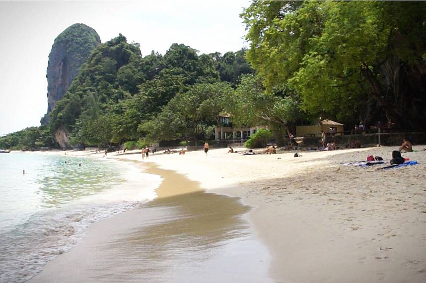 Sun, white sand and clear water - all this awaits you at Railay Beach Krabi