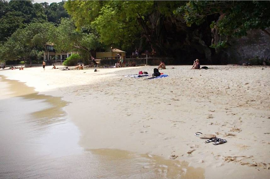 Spend during your Thailand holiday an unforgettable day at Railay Beach Krabi