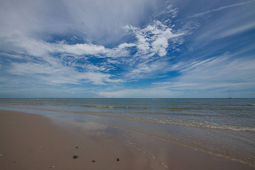 The beaches in Hua Hin are wide and ideal for a walk and swim