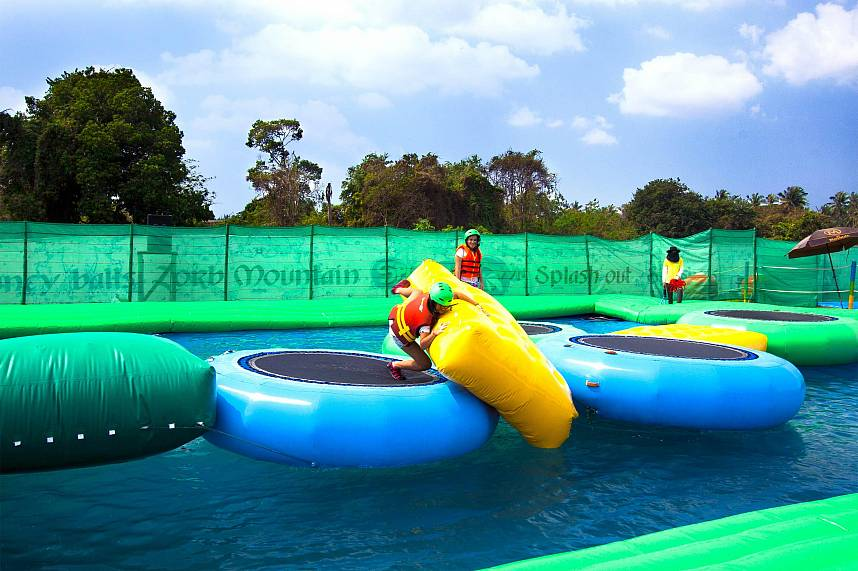 Kids will enjoy the ultimate challenges at Splashdown Waterpark Pattaya