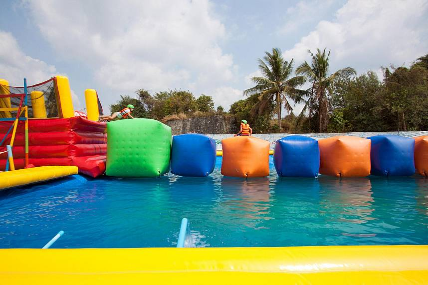 Plenty of water fun at Splashdown Waterpark Pattaya during your Thailand family holiday