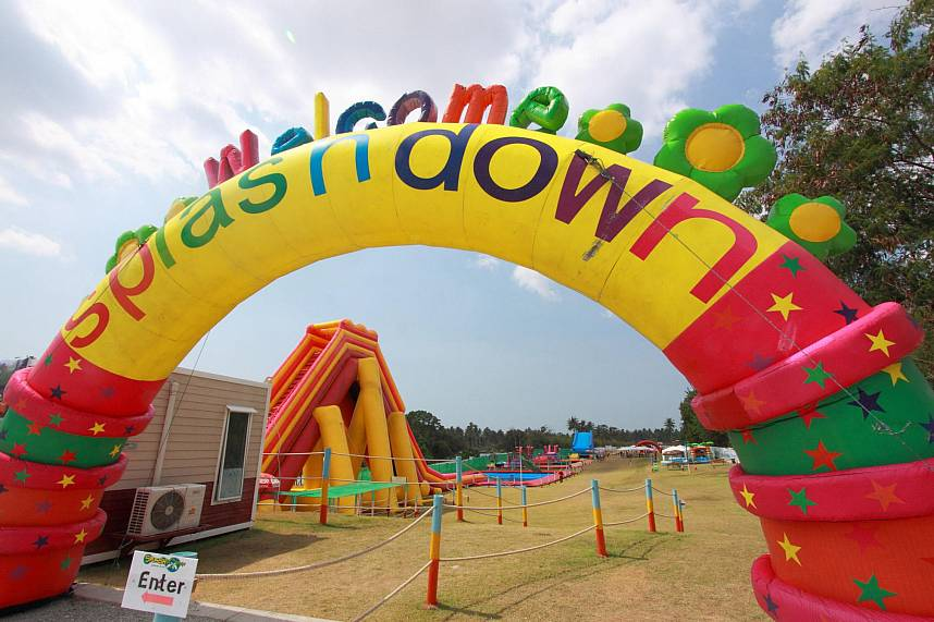 Welcome to Splashdown Waterpark Pattaya - a great Pattaya family attraction
